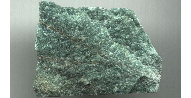 1-kvarcit-kamen-dlya-bani-svojstva-kotorogo-izvestny-vsem-4